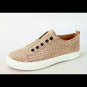Bamboo Sparkly Power-02 Sneakers (NWOT)